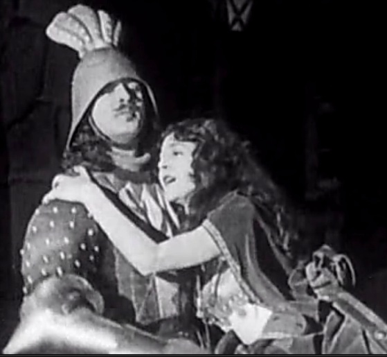 Norman-Kerry-and-Patsy-Ruth-Miller-in-The-Hunchback-of-Notre-Dame-1923-01