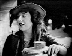 Mabel-Normand-in-Molly-O-1921-3.jpg